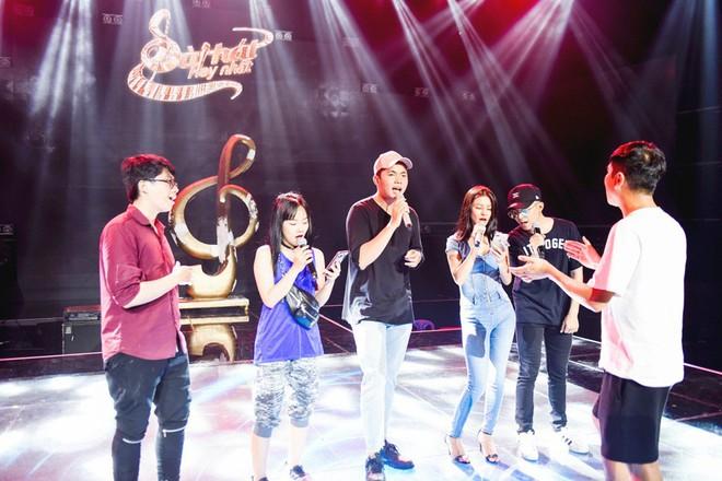 Học trò Lê Minh Sơn cõng chồng lên sân khấu trong đêm Chung kết Sing my song  - Ảnh 2.