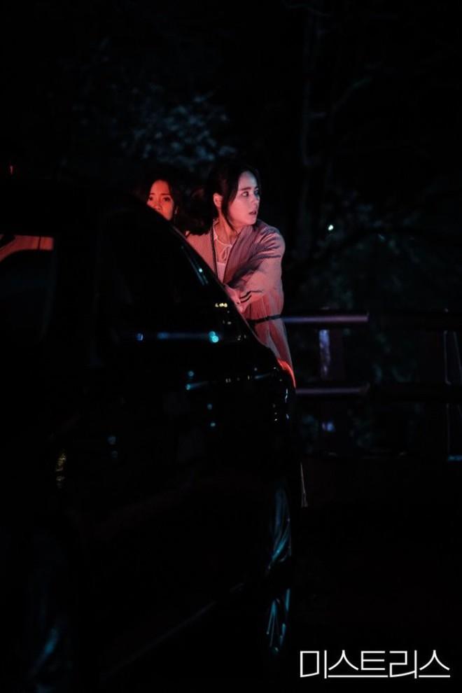 3 điểm đáng chú ý về cái chết kỳ bí trong phim 19+ của Han Ga In - Ảnh 7.