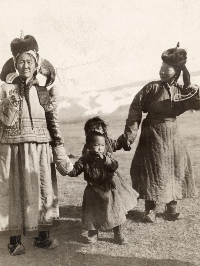 Ngày của mẹ, ngắm những bức ảnh về mẹ đẹp nhất trong suốt 100 năm qua - Ảnh 18.