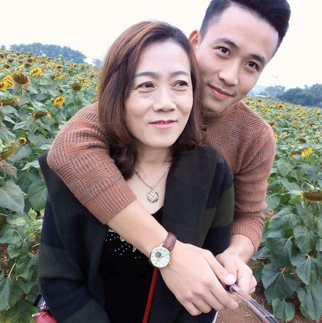 Nhân Ngày của mẹ, cư dân cộng đồng mạng đồng loạt khoe ảnh chụp với mẹ cùng những lời tôn vinh ngọt ngào - Ảnh 10.