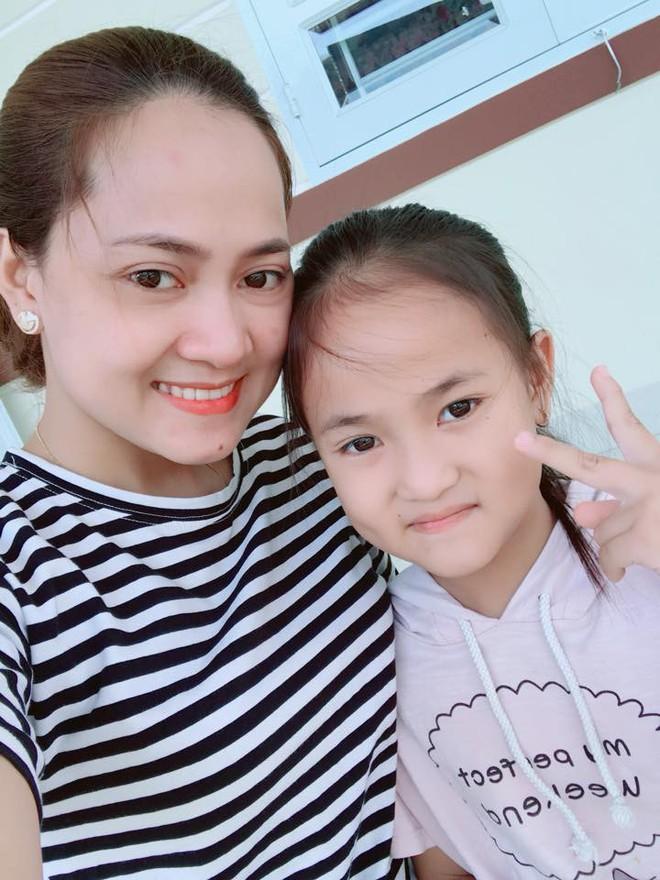 Nhân Ngày của mẹ, cư dân cộng đồng mạng đồng loạt khoe ảnh chụp với mẹ cùng những lời tôn vinh ngọt ngào - Ảnh 14.