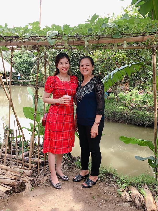 Nhân Ngày của mẹ, cư dân cộng đồng mạng đồng loạt khoe ảnh chụp với mẹ cùng những lời tôn vinh ngọt ngào - Ảnh 3.