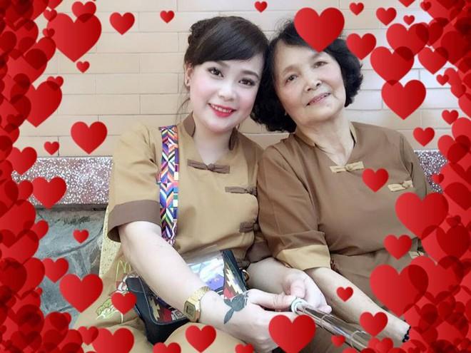 Nhân Ngày của mẹ, cư dân cộng đồng mạng đồng loạt khoe ảnh chụp với mẹ cùng những lời tôn vinh ngọt ngào - Ảnh 8.