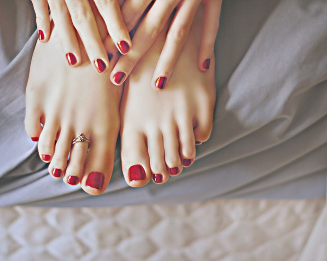 Bàn chân có 5 dấu hiệu này thì đừng chủ quan mà nên đi khám ngay - Ảnh 2.