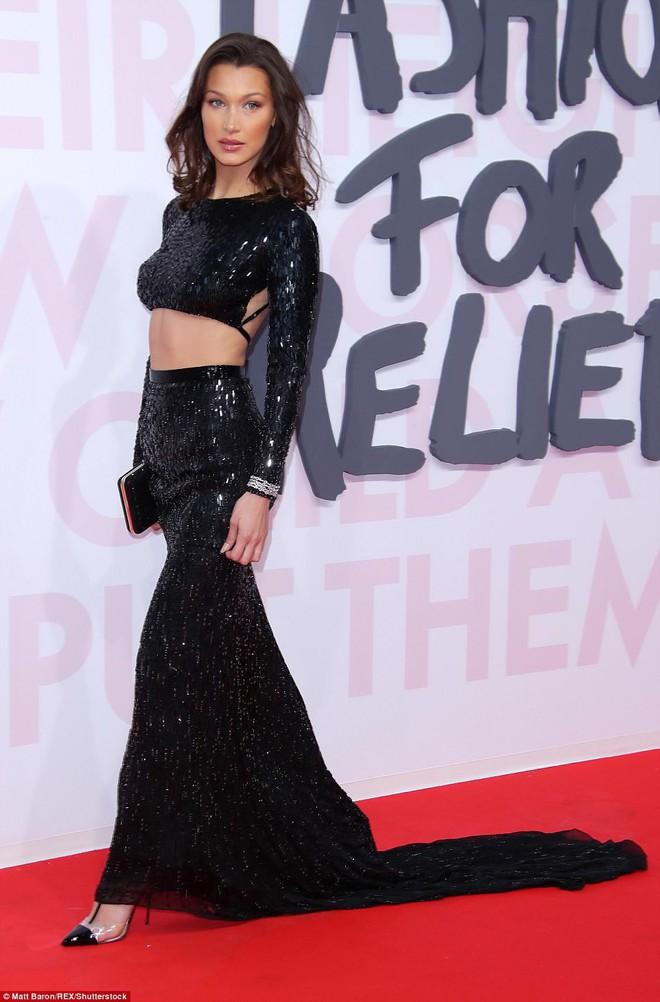 Cuộc chiến nhan sắc tại Cannes: Paris Hilton U40 vẫn đẹp như công chúa, Kendall khoe chân dài quá sexy - Ảnh 7.