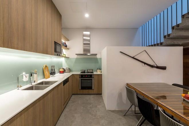 Ngôi nhà 66m² trong hẻm ấn tượng đến khó rời mắt nhờ bức tường cào vữa ở quận Cầu Giấy - Ảnh 7.