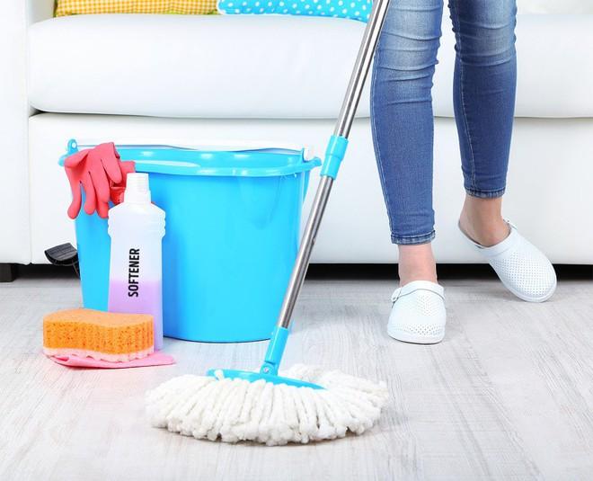 14 mẹo vặt chỉ tốn vài phút ngắn ngủi cũng đủ khiến ngôi nhà của bạn sạch bong như mới - Ảnh 6.