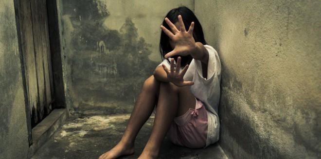 6 học sinh tiểu học xâm hại 1 bé gái 8 tuổi - lời cảnh tỉnh bố mẹ về mối nguy hại của những hình ảnh khiêu dâm - Ảnh 3.