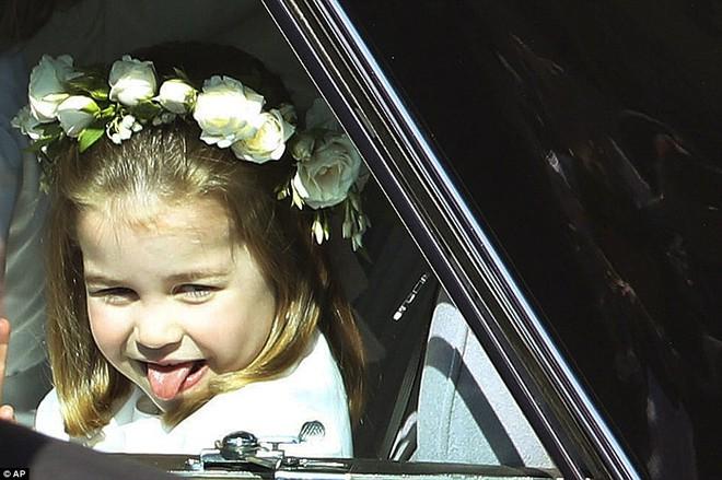 Dàn phù dâu phù rể nhí xinh như thiên thần trong đám cưới hoàng gia, Hoàng tử George và Công chúa Charlotte quá đáng yêu - Ảnh 21.