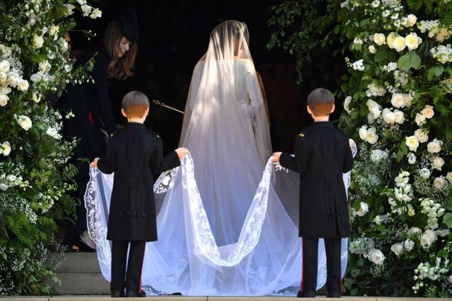 Cận cảnh những khoảnh khắc như mơ từ đám cưới hoàng gia 40 triệu đô, có hàng tỉ người ngóng chờ - Ảnh 4.