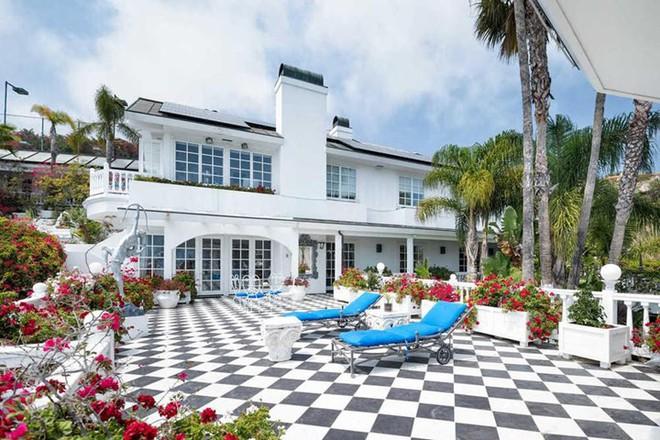 Chiêm ngưỡng căn biệt thự triệu đô đẹp ngỡ ngàng ở Malibu của Hoàng tử Harry và Meghan Markle - Ảnh 4.