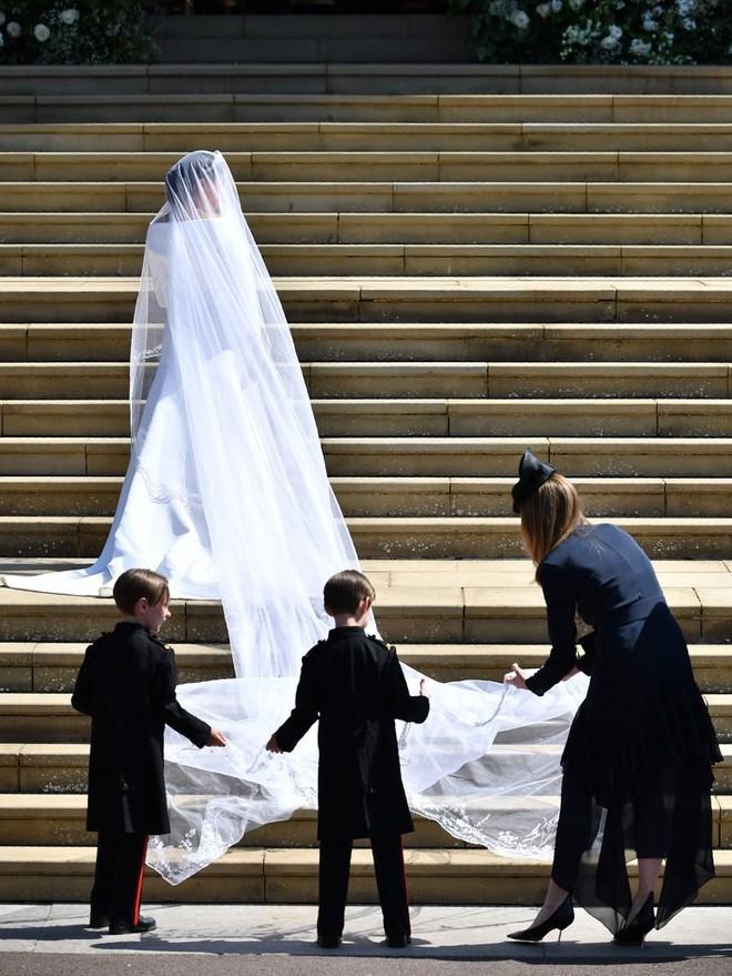 Dàn phù dâu phù rể nhí xinh như thiên thần trong đám cưới hoàng gia, Hoàng tử George và Công chúa Charlotte quá đáng yêu - Ảnh 8.