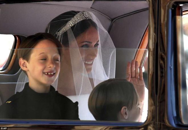 Dàn phù dâu phù rể nhí xinh như thiên thần trong đám cưới hoàng gia, Hoàng tử George và Công chúa Charlotte quá đáng yêu - Ảnh 6.
