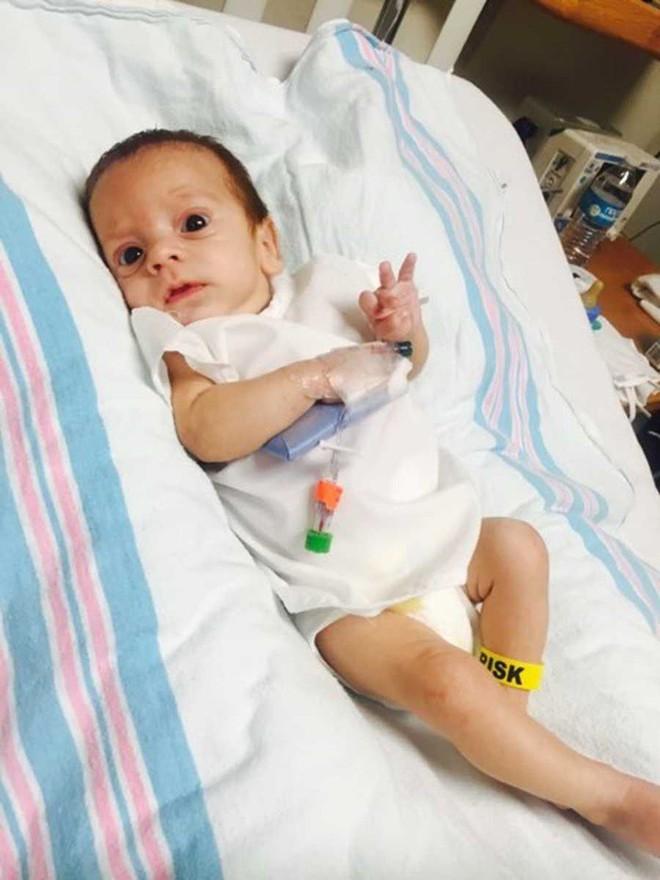 Con sinh ra được vài tháng có dấu hiệu kỳ lạ, bà mẹ phát hiện con đã đột quỵ từ lúc còn trong bụng mẹ và lập tức lên tiếng cảnh báo - Ảnh 3.
