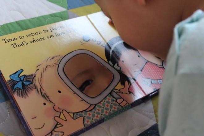 Từ A-Z những điều bố mẹ nên biết để vui đọc sách cùng con từ 0 đến 2 tuổi - Ảnh 2.