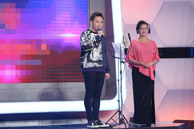 Hoài Linh - Trấn Thành gây sửng sốt với màn diễn live cùng thánh lồng tiếng - Ảnh 1.