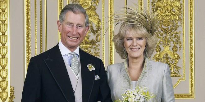 Vì sao người yêu cũ của Hoàng tử Harry lại được mời đến đám cưới Hoàng gia? - Ảnh 4.