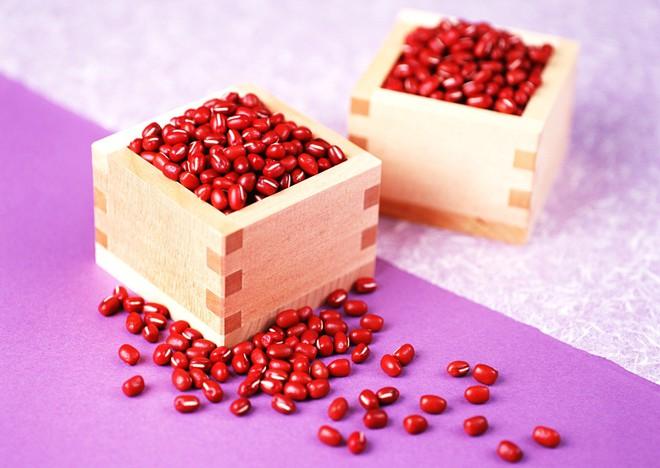 Đây là những thực phẩm mà hội con gái thường xuyên bị khô tróc da nên bổ sung vào chế độ ăn - Ảnh 3.