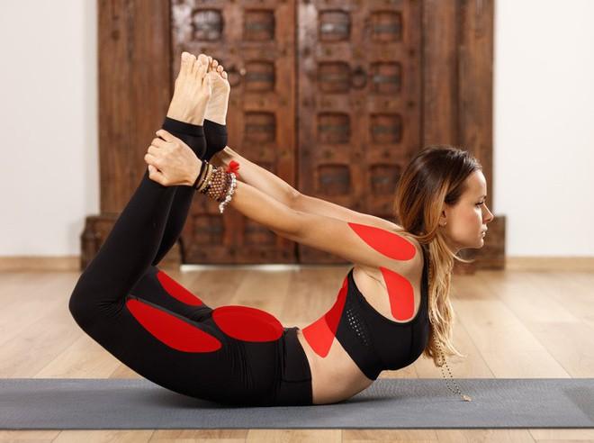 15 tư thế yoga có thể làm thay đổi cơ thể dù bạn là người mới bắt đầu tập hay đã là chuyên gia - Ảnh 13.