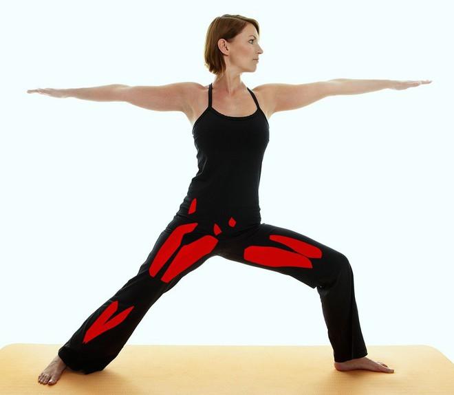 15 tư thế yoga có thể làm thay đổi cơ thể dù bạn là người mới bắt đầu tập hay đã là chuyên gia - Ảnh 8.