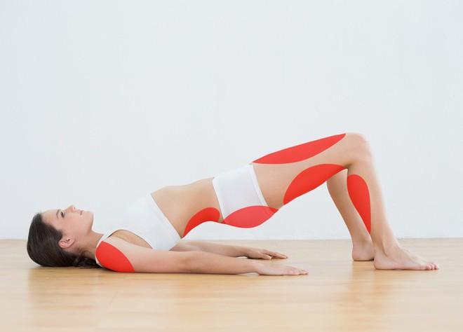 15 tư thế yoga có thể làm thay đổi cơ thể dù bạn là người mới bắt đầu tập hay đã là chuyên gia - Ảnh 10.