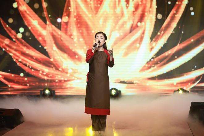 Giang Hồng Ngọc mặc áo nâu sòng, nức nở trải lòng bên Hà Anh Tuấn - Ảnh 4.