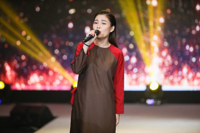 Giang Hồng Ngọc mặc áo nâu sòng, nức nở trải lòng bên Hà Anh Tuấn - Ảnh 5.