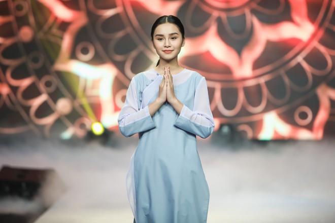 Giang Hồng Ngọc mặc áo nâu sòng, nức nở trải lòng bên Hà Anh Tuấn - Ảnh 11.