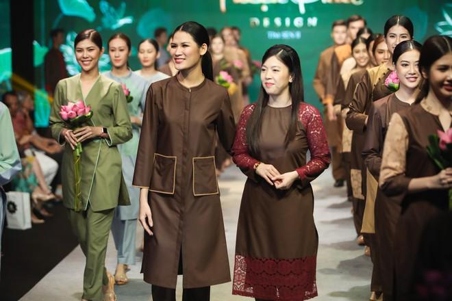 Giang Hồng Ngọc mặc áo nâu sòng, nức nở trải lòng bên Hà Anh Tuấn - Ảnh 13.