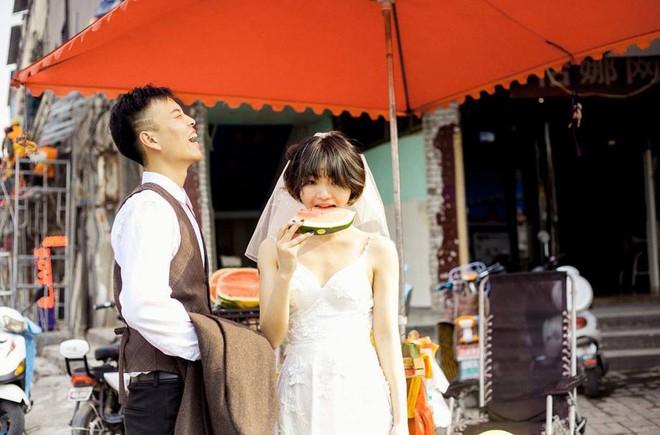 """""""Hãy yêu và cưới một chàng trai khiến bạn cười như thế"""": Bộ ảnh cưới cô dâu cười tít mắt khiến MXH chao đảo - Ảnh 3."""