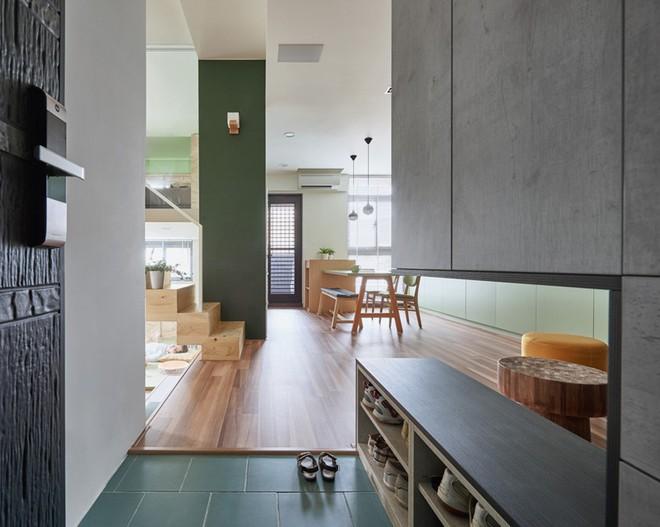 Ngôi nhà 40m² màu xanh matcha với thiết kế tầng lửng nhìn là yêu của gia đình trẻ - Ảnh 2.