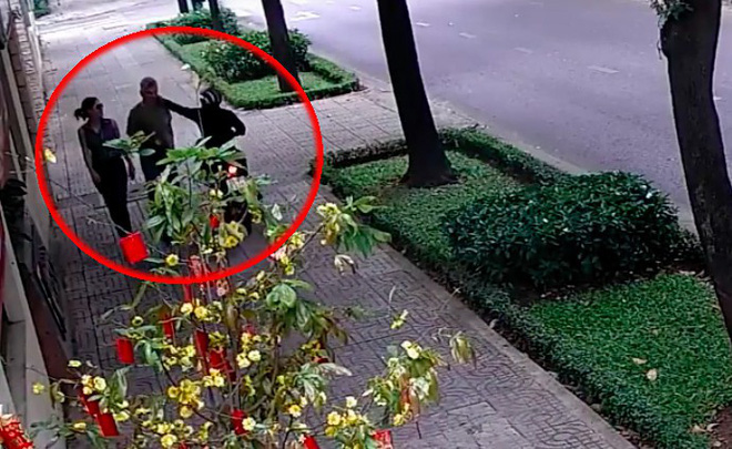 Đối tượng cướp dây chuyền của nhân viên ngoại giao Nga bất ngờ, không hiểu vì sao bị lần ra dấu vết vì đã ngụy trang rất kỹ - Ảnh 2.