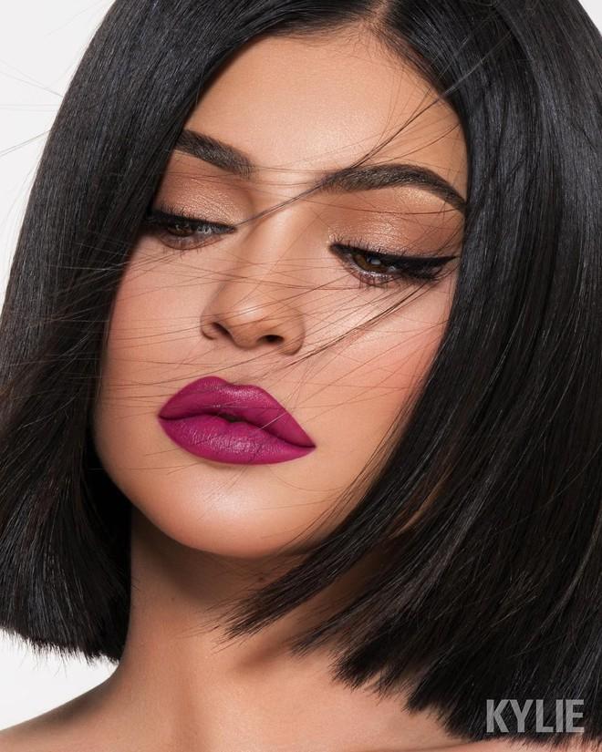 Đôi môi mỏng dính khi xưa chính là nguồn cảm hứng để Kylie Jenner xây dựng đế chế mỹ phẩm đình đám của mình - Ảnh 1.