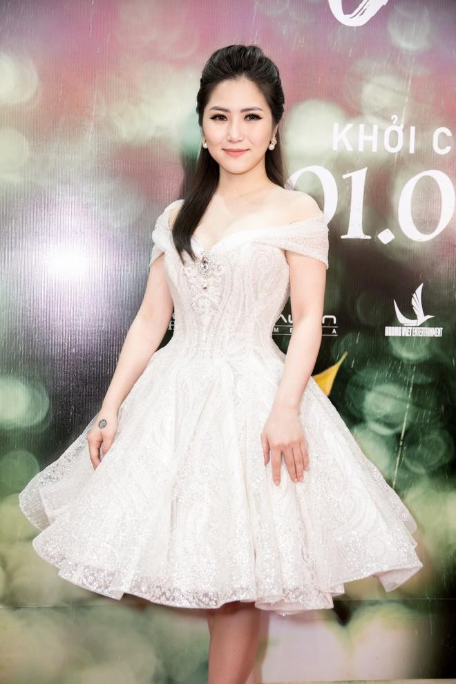 Mai Tài Phến - Hương Tràm tay trong tay, ngọt ngào ra mắt Em gái mưa bản điện ảnh - Ảnh 5.