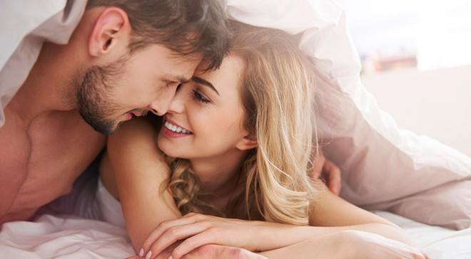 Bí mật cho đời sống chăn gối vợ chồng thăng hoa hơn mà có lẽ chưa bao giờ bạn được nghe - Ảnh 2.