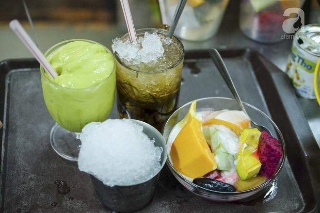 3 quán chè, bánh bán đến rất khuya cho những người hảo ngọt lại mê ăn đêm ở Sài Gòn - Ảnh 11.