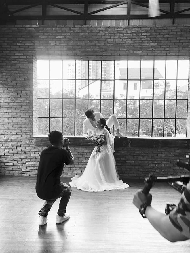 Những hình ảnh và tiết lộ đầu tiên về đám cưới của nhà văn Gào cô dâu 3 con sau 10 năm sống thật trải nghiệm hôn nhân - Ảnh 2.