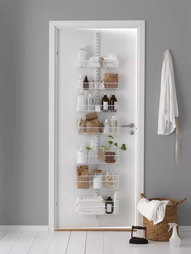 4 mẹo dễ như ăn kẹo, ai cũng làm được để tận dụng tối đa không gian phòng tắm nhỏ - Ảnh 6.