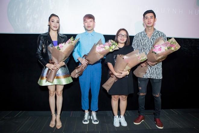 Hồ Quỳnh Hương: Không ngại đụng độ Sơn Tùng, Bảo Anh vì mải kinh doanh, không quan tâm showbiz - Ảnh 3.