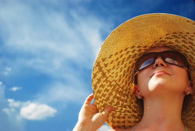 Sơ cứu khi bị cháy nắng, tránh biến chứng nguy hiểm cũng như mang lại tính thẩm mỹ cho làn da - Ảnh 4.