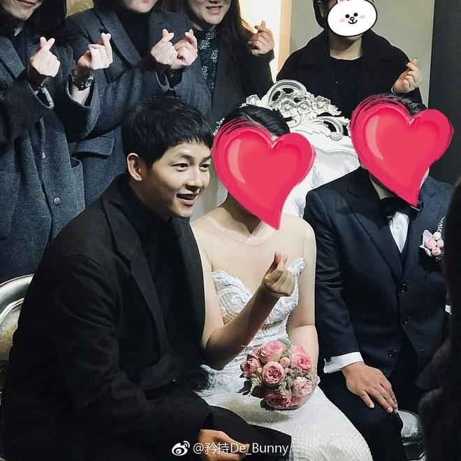 Hình ảnh đối lập của cặp bạn thân: Song Joong Ki được vợ vỗ béo tròn, Lee Kwang Soo thì gầy như bộ xương di động - Ảnh 10.