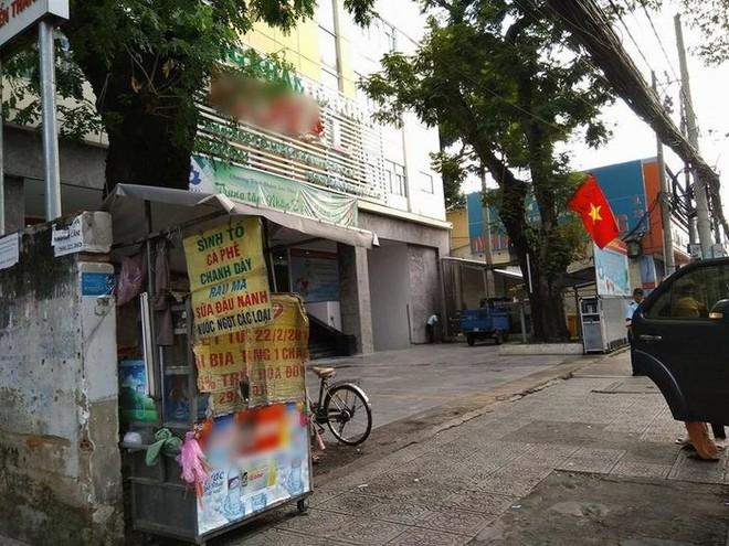 Những câu chuyện phía sau thùng tiền Bạn gặp khó khăn, lấy 3 tờ ở Sài Gòn: Từng có nhóm thanh niên đem bịch nilon tới hốt! - Ảnh 2.