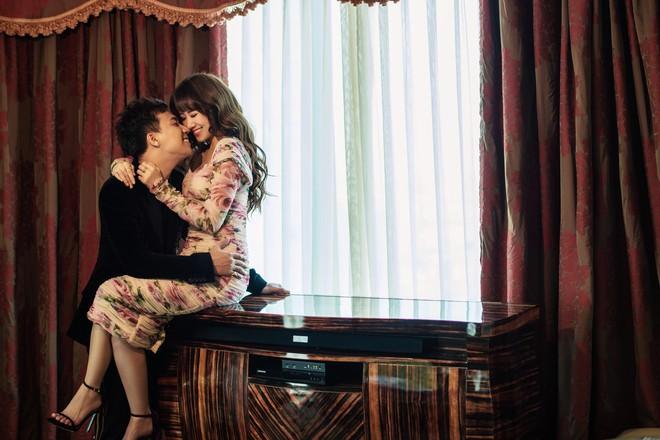 Trấn Thành - Hari Won tung bộ ảnh kỉ niệm 17 tháng hôn nhân viên mãn trong sóng gió - Ảnh 2.