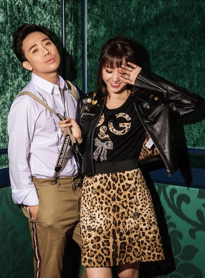 Trấn Thành - Hari Won tung bộ ảnh kỉ niệm 17 tháng hôn nhân viên mãn trong sóng gió - Ảnh 13.