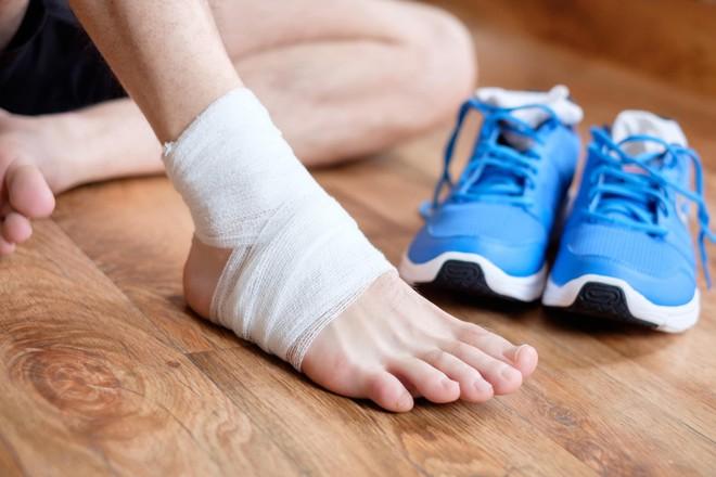 Người phụ nữ 28 tuổi chết sau 7 ngày bị trẹo chân, nguyên nhân khiến ai cũng ngã ngửa - Ảnh 2.