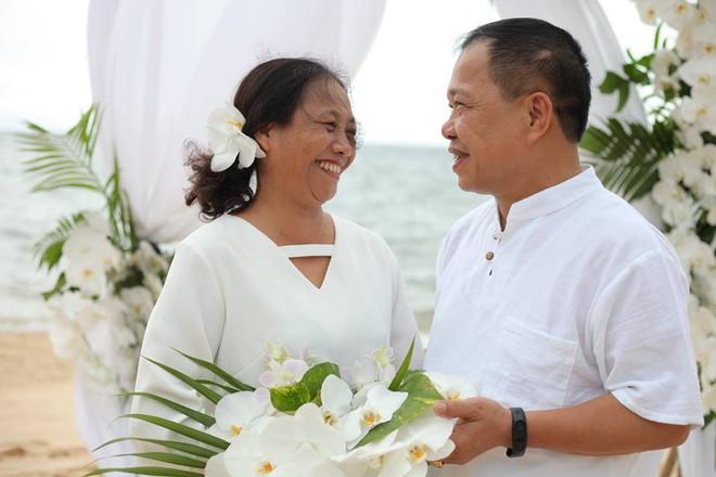 Ảnh cưới vui chất ngất của cặp đôi U50 đã sống thật 35 năm hạnh phúc lại có 2 phù dâu siêu đặc biệt - Ảnh 4.