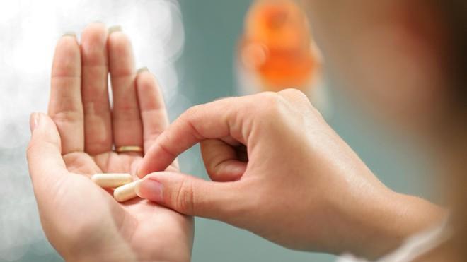 Bác sĩ nghiên cứu lâm sàng về gan chỉ cho bạn 5 yếu tố hàng đầu tăng nguy cơ phát triển bệnh gan - Ảnh 3.