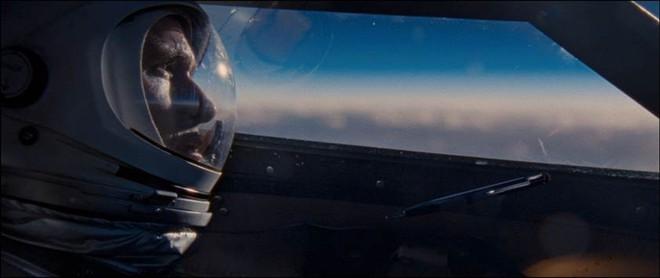 Lãng tử Ryan Goslin của La La Land hóa thân thành phi hành gia cực ngầu trong First Man - Ảnh 4.