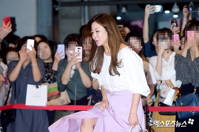 Sự kiện hội tụ gần 30 sao Hàn: Mẹ Kim Tan lép vế trước Kim Hee Sun, Jung Hae In nổi bật giữa dàn sao nhí một thời - Ảnh 1.