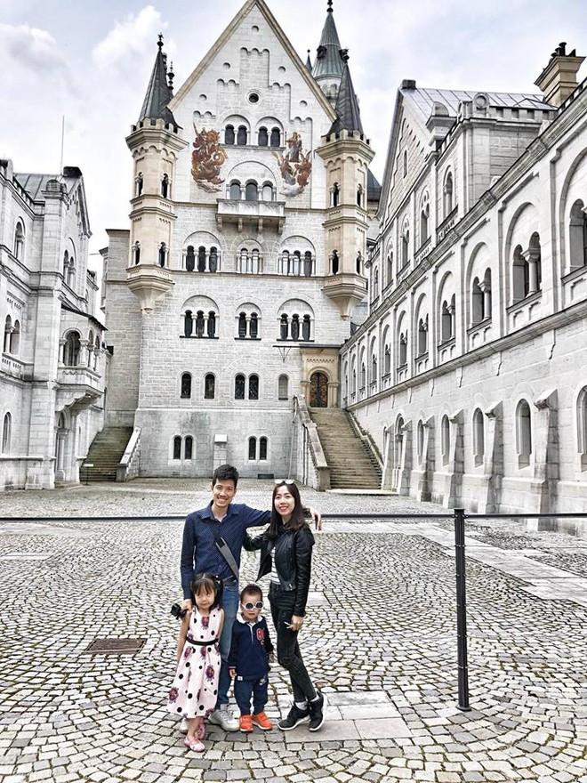 Gặp ông bố một mình lái xe 4.500km đưa 2 con và vợ chu du 9 nước Châu Âu trong 21 ngày - Ảnh 25.